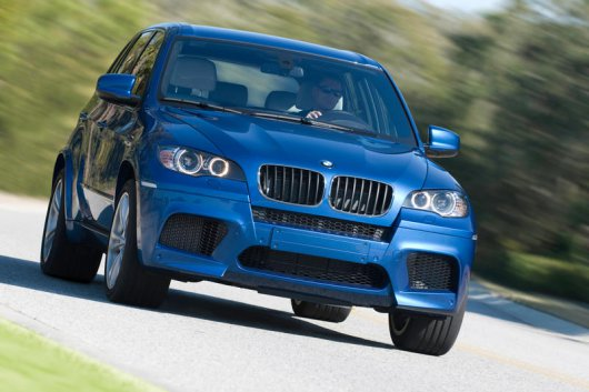 bmw-x5-m-2010-roading-front-main_w800.jpg
