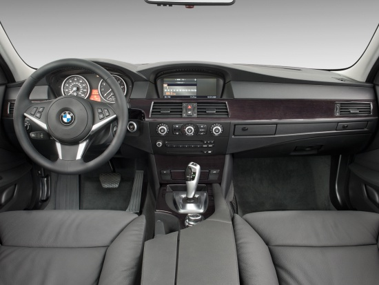 bmw_5_series_535i_sedan_2010_dashboard_dashboard.jpg